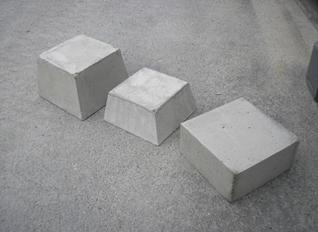 つく石(束石)